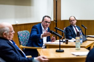 Podiumsdiskussion von -Prellbock Altona- im Altonaer Rathaus-Daniel Nide-4